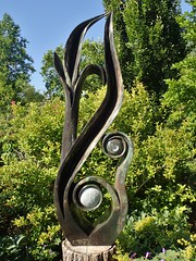 Leaf Form by Onias Muphuma with Cobalt, Zimsculpt, Edwards Gardens, Toronto, ON (Snuffy) Tags: leafform oniasmuphuma zimsculpt zimsculpt2019 edwardsgardens torontobotanicalgarden northyork toronto ontario canada cobalt