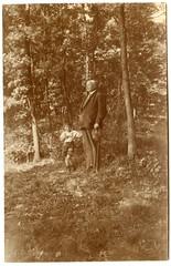 . (Kaïopai°) Tags: vintage mann kind natur opa wald