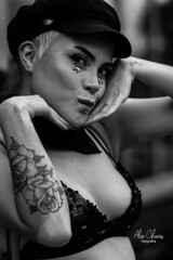 Chica Bella (Alex Chaves Fotografia) Tags: photography people portrait personas portraiture gente gentes girl canondslr canon retrato retratos blancoynegro bw