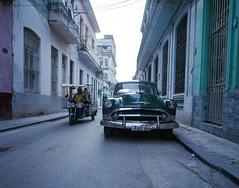 Streets of Havana - Cuba (IV2K) Tags: havana habana lahabana cuba cuban cubano kuba caribbean centro centrohavana centrohabana habanavieja mamiya mamiya7 mamiya7ii mediumformat kodak koadkfilm kodakportra kodakportra400 portra portra400 street film ishootfilm istillshootfilm staybrokeshootfilm explorehavana havanacuba
