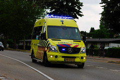 Ambulance Gelderland-Zuid Roepnummer: 08-132 (1996martijn1996) Tags: new flower volkswagen truckshow emergency eindhoven departement mercedes vehicle department metro center medical chevrolet trein fire firetruck chief utrecht rotterdam amsterdam torpedo nature police officer sprinter ambulance maasvlakte transporter transport truck trucks train tram car york air bird port airport light audi bus building schiphol scania london volvo daf