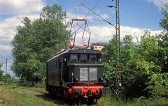E44 044  Weimar  31.05.97 (w. + h. brutzer) Tags: weimar 144 e44 eisenbahn eisenbahnen train trains deutschland germany elok eloks railway lokomotive locomotive zug 244 dr db webru analog albumhubertboob