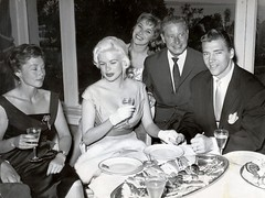 Jayne Mansfield en Mickey Hargitay (poedie1984) Tags: jayne mansfield vera palmer blonde old hollywood bombshell vintage babe pin up actress beautiful model beauty hot girl woman classic sex symbol movie movies star glamour girls icon sexy cute body bomb 50s 60s famous film celebrities pink filmstar filmster diva superstar amazing wonderful american goddess mannequin black white tribute blond sweater cine cinema screen gorgeous legendary iconic mickey hargitay miklós miklos budapest hungary mr universe lippenstift lipstick busty boobs décolleté jurk dress oorbellen earrings