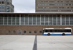 Amstelstation (Maurits van den Toorn) Tags: station gare bahnhof amstelstation amsterdam bus autobus stadsbus vdl gvb