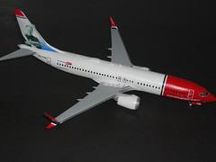 Boeing 737 Max8, Norwegian, EI-FYA, Sir Freddie Laker,  Zvezda (+ Lima November Decals), 1:144 (lutz1957) Tags: boeing737max8 norwegian sirfreddielaker 1144 zvezda lima november decals limanovemberdecals eifya