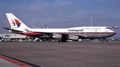 9M-MPO 2004-03-03 AMS (Gert-Jan Vis) Tags: 9mmpo boeing b747 b747400 malaysia schiphol kodachrome 28433