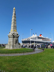 MARINE ENGINE HEROS (fenaybridge) Tags: titanic whitestarline liverpool marineengine memorial cunard queenmary2 ship