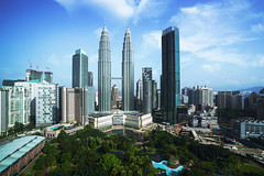 Kuala lumpur city (Patrick Foto ;)) Tags: 2018 buildingexterior businessfinanceandindustry capitalcities citylife crosssection downtowndistrict eastasianculture famousplace financeandeconomy globenavigationalequipment highsection internationallandmark landscapescenery petronastowers publicpark ruralscene tallhigh traveldestinations urbanskyline architecture asia business capital city cityscape day design district finance kualalumpur malaysia modern morning office outdoors panoramic sky skyscraper tourism tower town travel tree viewpoint