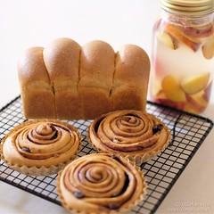 ブランパン 20190716-DSCT9385 (2) (marikobiz) Tags: plum 自家製酵母 ブランブレッド branbread ブラン ふすまパン