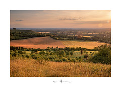 Sunset over the Vale of Aylesbury ... (Jackie ...) Tags: canoneosrp aylesbury buckinghamshire sunset
