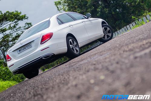 2019-Mercedes-E220d-12