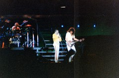 1986-08-05 Queen @ Marbella 02 (MicdeF) Tags: concert scanner livemusic scan queen concerto espana brianmay spagna marbella stadio stampe nikonem rogertaylor freddymercury scansione httpswwwdiariosuresculturasmusicaconciertoqueenmarbell penultimoconcertodeiqueen httpswwwdiariosuresculturasmusicaconciertoqueenmarbella20181123212326nthtml magictour