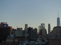 201906172 New York City Lower East Side and Financial District (taigatrommelchen) Tags: 20190626 usa ny newyork newyorkcity nyc manhattan financialdistrict lowereastside sky dusk icon city skyline building