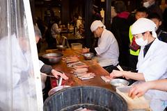 川豐鰻魚飯-宰殺鰻魚 (迷惘的人生) Tags: 成田市 千葉縣 日本 canon 5d3 5dⅲ 1635mm 川豐鰻魚飯 鰻魚飯 鰻魚