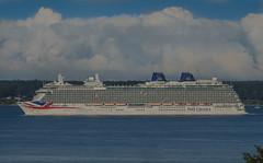 P&O´s flagship Britannia in Öresund (frankmh) Tags: ship cruiseship po britannia öresund