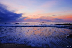 Because there's (gusdiaz) Tags: sunrise wrightsvillebeach atardecer sunset northcarolina waves olas amanecer reflection reflejo relaxing colorful ocean water mar oceano sand sandy salty saltlife colorido sal arena relajante stunning nature naturephotography gorgeous morning mañana naturaleza natural hermoso zen fuji fujifilm wideangle beautiful amor peace peaceful