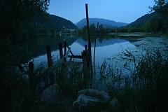 Blue hour (Mi-Fo-to) Tags: lago revine pontile vecchio old lake italy evening sera bluehour landscape veneto high iso 6400 nikon z6 voigtlander15 ultra 45 mm jetty grain structure paesaggio