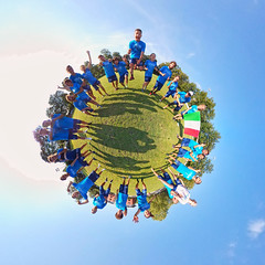 2019-07-15_Italy_Planet-02 (Martin W3) Tags: wu24 italy mixed planet