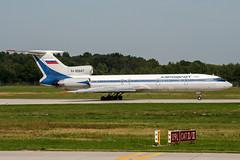 RA-85647 (PlanePixNase) Tags: hannover aircraft airport planespotting haj eddv langenhagen aeroflot tupolev tu154 t154
