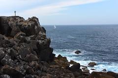 rocks-cross-sailboat-4076 (Pixel Peasant) Tags: peniche portugal