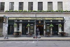 Victoria, London SW1. (piktaker) Tags: london londonsw1 sw1 pub inn bar tavern publichouse victoria greeneking