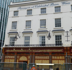 Duke of York, London SW1. (piktaker) Tags: london londonsw1 sw1 pub inn bar tavern publichouse dukeofyork