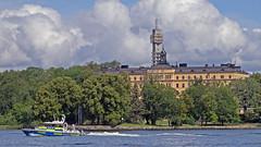 The Police boat 9910 in Stockholm (Franz Airiman) Tags: båt boat ship fartyg stockholm sweden scandinavia djurgården sjöpolisen lawenforcement polis police kaknästornet kaknästower manillaskolan campusmanilla