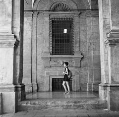 Bologna_2019_14 (Christian Poulton) Tags: film ilfordfp4plus italy bologna street bw 6x6 rolleiflex mediumformat