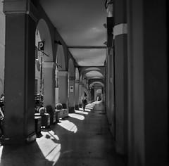 Bologna_2019_13 (Christian Poulton) Tags: film ilfordfp4plus italy bologna street bw 6x6 rolleiflex mediumformat