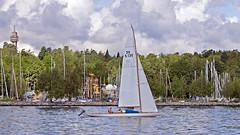 A sailboat in the bay Lilla Värtan in Stockholm (Franz Airiman) Tags: båt boat ship fartyg stockholm sweden scandinavia kaknästornet kaknästower hundudden
