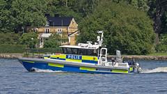 The Police boat 9910 in Stockholm (Franz Airiman) Tags: båt boat ship fartyg stockholm sweden scandinavia djurgården sjöpolisen lawenforcement polis police