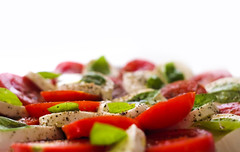 Tricolore (CoolMcFlash) Tags: tricolor flickrfriday mozzarella food tomato basil white red green dof focus depthoffield essen tomaten basiklikum grün weis rot fujifilm xt2 fotografie photography close nah tiefenschärfe fokus xf35mmf14 r