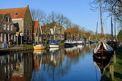 Edam (Julysha) Tags: edam winter february acr 2018 town canal thenetherlands noordholland reflection nikkor1855afp d7200 boats bluesky