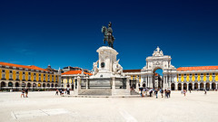 _DS16685 - Praça do Comércio, Lisboa (AlexDROP) Tags: 2019 portugal lisboa lisbon europe art travel architecture color wideangle city statue square people nikond750 tamronaf1735mmf284diosda037 best iconic famous mustsee picturesque postcard circpl