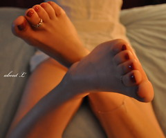 Muse (Mr2D2) Tags: toes feet footfetish fetish pedi pedicure wife toering anklet sexyfeet sexytoes sexywife