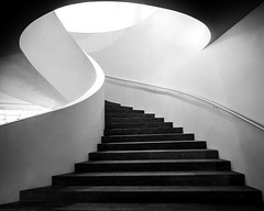 (Magdalena Roeseler) Tags: bw sw blackandwhite monochrome architecture urban stairs city building olympus zuiko geometry lines mattern form