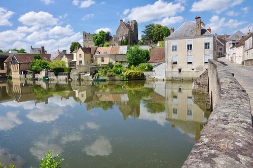 The River Sarthe and the Romain Bridge