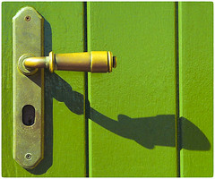 Sombra (Shadow) (SamyColor) Tags: zeissikonikonta1950 fujisuperia200 door puerta colorefex4 lightroom3 sanjuan oldsanjuan viejosanjuan puertorico