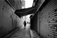 (a.pierre4840) Tags: olympus xa 35mm f28 35mmfilm ilford ilfordhp5 hp5 hp5plus bw blackandwhite noiretblanc alley alleyway hongkong urban decay streetphotography