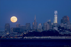 Rising Full Moon Lit Up the Skyline (milton sun) Tags: fullmoon sausalito marincounty california sanfrancisco cityscape sfskyline dusk seascape bay ngc bayarea ocean shore seaside coast landscape outdoor sky water architecture building bluehour nightphotography nightscene moonrise moonlight