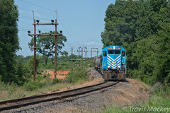 L&C 14 at W Manor DR (Travis Mackey Photography) Tags: lc 14 w manor dr lancaster sc springmaid line train railroad locomotive shortline trees grass sky power poles gp383