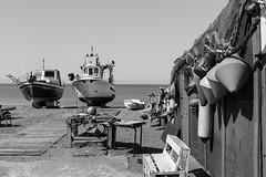 Barcos y aperos (Eduardo Estéllez) Tags: aperos redes boyas playa sanmiguel barcosbarcas varados varadas marmediterraneo olas pesquero parada botes costa costero horizontal monocromo blancoynegro nadie parquenatural cabodegata almeria españa estellez eduardoestellez