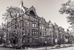 Exeter & Commonwealth (Eridony (Instagram: eridony_prime)) Tags: boston suffolkcounty massachusetts backbay house houses