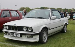H382 PPU (Nivek.Old.Gold) Tags: 1990 bmw 320i auto convertible