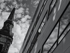 On the way to church I came to look up ... (PeS-Photo) Tags: danmark denmark københavn copenhagen christianshavn strandgade christians kirke church street black white bw blue sky with clouds building architecture outdoor nikon d750 nikkor 70200mm f4