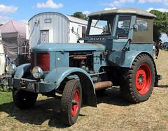 Deutz tractor (Schwanzus_Longus) Tags: oyten german germany old classic vintage vehicle machine farm farming tractor deutz