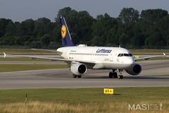 Lufthansa A319-100 D-AIBG @ MUC (MASAviation) Tags: aviation avion aviationpic aviator aviationphotography avgeek avporn spotter spotting munich muc münchen munichairport mucmoments plane planespotter planespotting lufthansa lufthansablue airbus airbuslovers staralliance