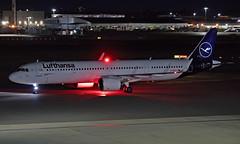 D-AIEA - Airbus A321-271NX - LHR (Seán Noel O'Connell) Tags: lufthansa daiea airbus a321271nx a21n a321 heathrowairport heathrow lhr egll fra eddf dlh8nl lh922 aviation avgeek aviationphotography planespotting nightphotography