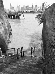 Unexpected Isle of Dogs #2 (Davoski) Tags: river thames london deptford riverscape monochrome blackwhite isleofdogs