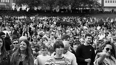 Carnival 2019 83 (byronv2) Tags: peoplewatching candid street performer newtown princesstreet princesstreetgardens carnival edinburghjazzbluesfestival edinburghjazzbluesfestival2019 festival parade blackandwhite blackwhite bw monochrome audience crowd rossbandstand